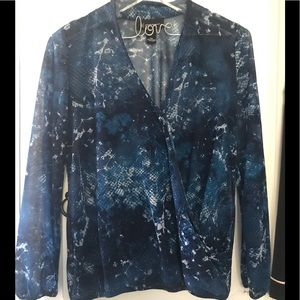 INC MP beautiful blue top, excellent condition